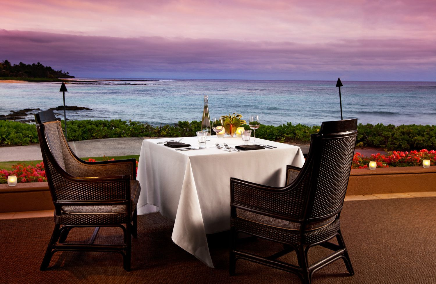 Kauai Oceanfront Restaurants - Halelani Romantic Dinner
